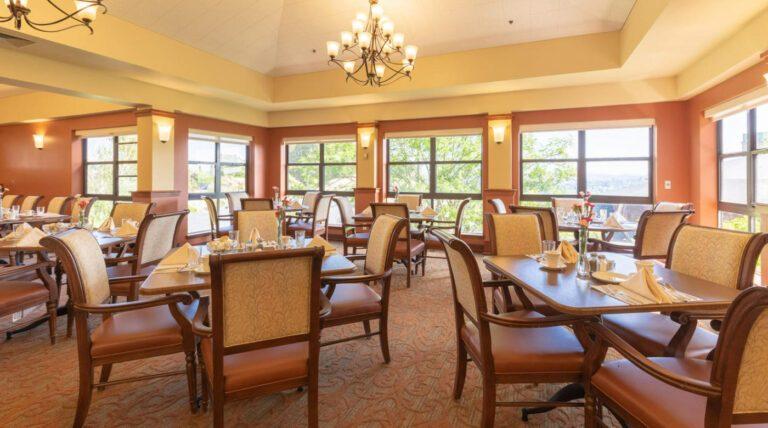 Cogir of Vallejo Hills Dining Room