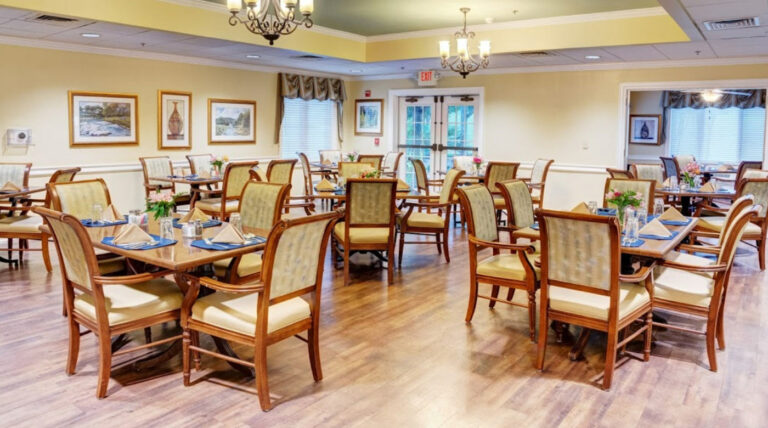 The Gardens of Castle Hills Dining Room