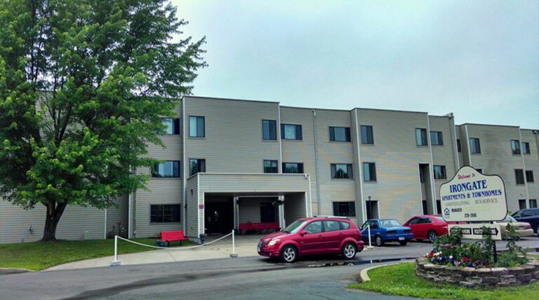 irongate apartments and townhomes aurora mn