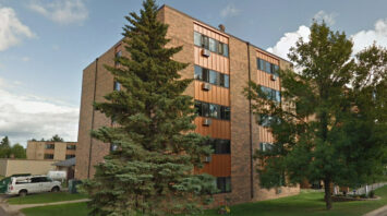 lincoln center apartments chisholm mn