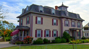 rosewood manor rochester nh