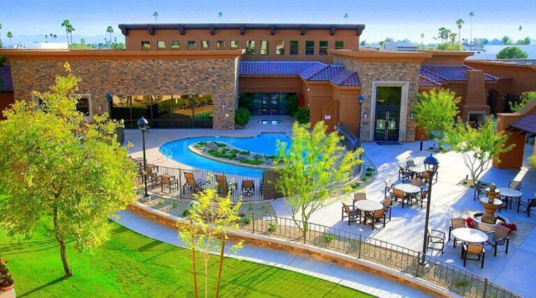 royal oaks lifecare community sun city az