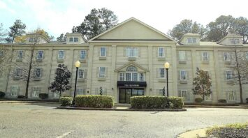 the quarters assisted living jackson ms